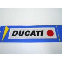 Parche bordado thermo-adhesivo Letras Ducati negras.